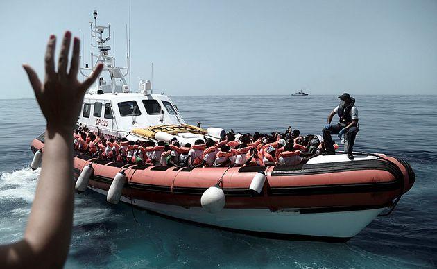Ακόμα δύο πλοία με διασωθέντες μετανάστες δεν γίνονται δεκτά στην
