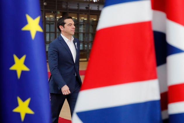Foreign Policy: «Ο Αλέξης Τσίπρας αξίζει το Νόμπελ