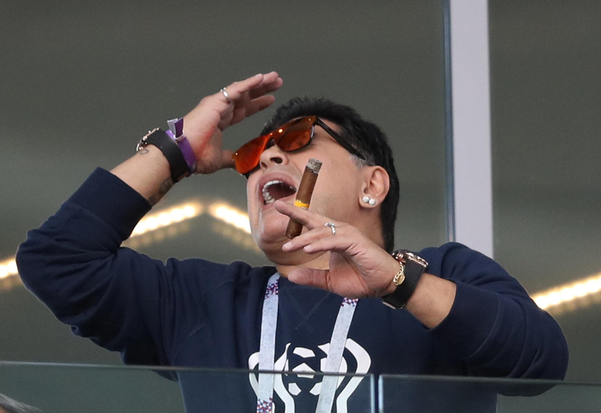 마라도나가 '한국 팬 비하 논란'에 대해 입장을 밝혔다