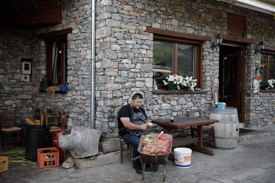 Γιατί η συμφωνία Τσίπρα-Ζάεφ για το Σκοπιανό υπογράφεται στις Πρέσπες. Ο συμβολισμός και όσα δεν γνωρίζουμε...