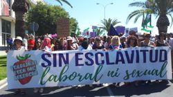 Des milliers de femmes défilent à Huelva en Espagne contre les abus dans les fermes