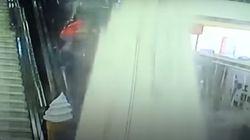 Un faux plafond s'effondre sur les clients d'un centre commercial dans le Shaanxi en