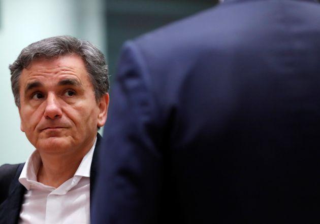 Οι «δύο - τρεις εκκρεμότητες» εν όψει Eurogroup στην τηλεδιάσκεψη με τους