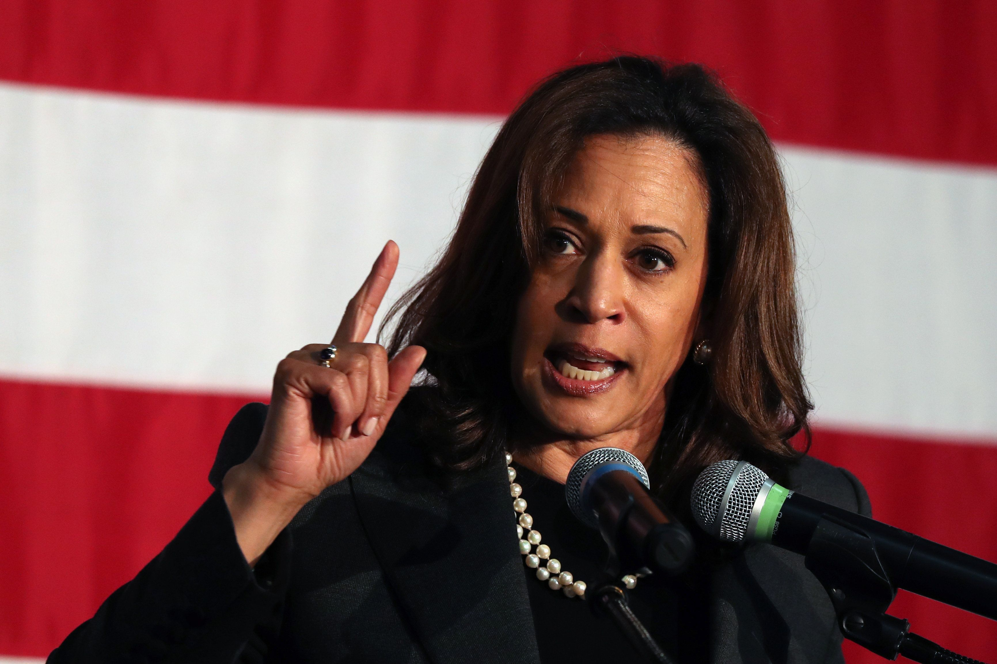 U.S. Senator Kamala D. Harris (D-CA) speaks at a campaign rally for California gubernatorial candidate Lieutenant Governor Gavin Newsom in Burbank, California, U.S. May 30, 2018. REUTERS/Lucy Nicholson