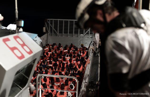 지난 주말 지중해에서 구조돼 아쿠아리우스에 승선해 있는 629명의