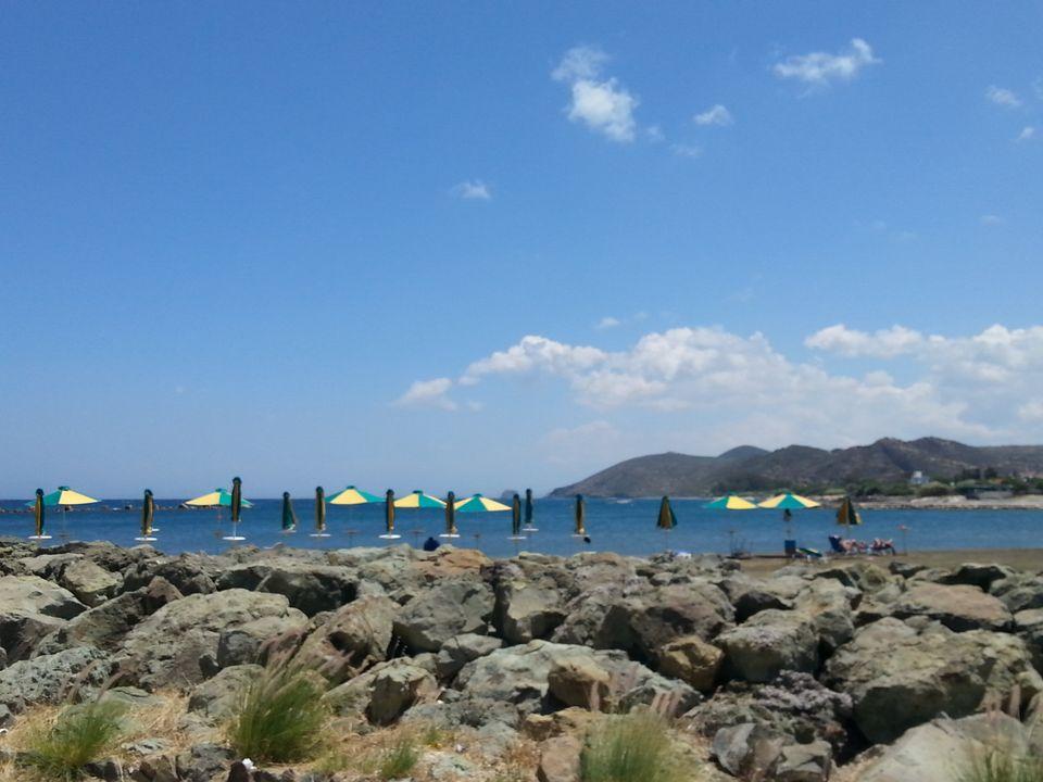 Παραλία του χωριού Κάτω
