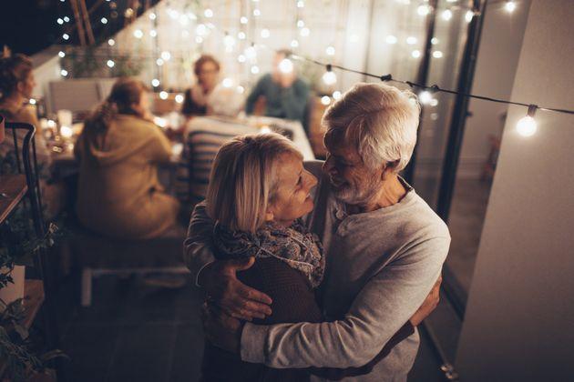 Ο γάμος μειώνει τον κίνδυνο καρδιοπάθειας και εγκεφαλικού σύμφωνα με νέα