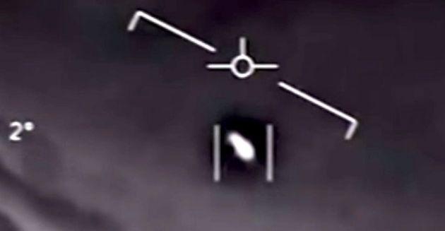 군사 보고서: UFO가 거대한 해저 물체와 만남을 시도했을 수도