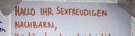 Berliner ist genervt von den Sex-Geräuschen seiner Nachbarn – und gibt ihnen einen