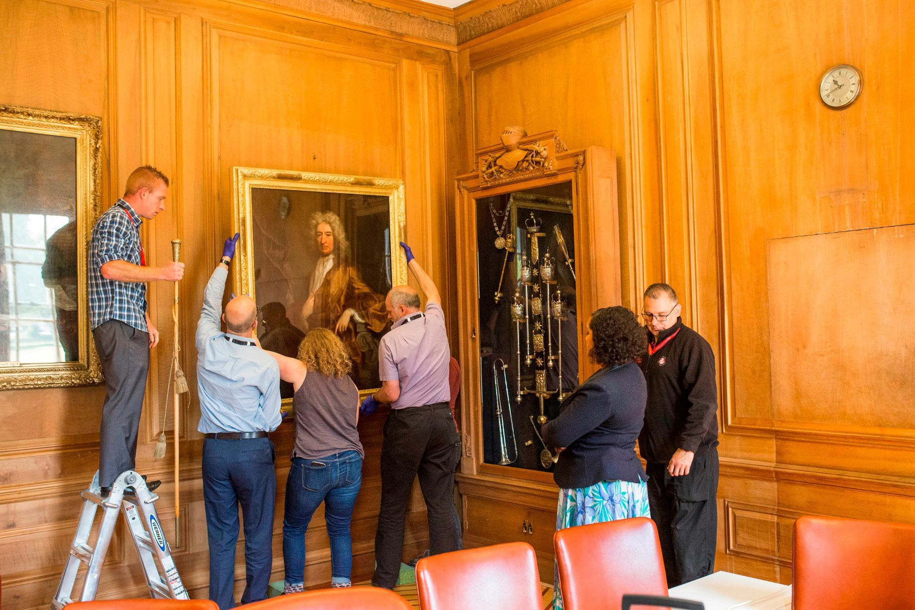 Slave Trader's Portrait Removed From Bristol Mayor's