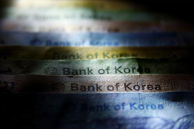 OECD는 한국 경제의 위기 요인으로 '대기업 총수 일가'를