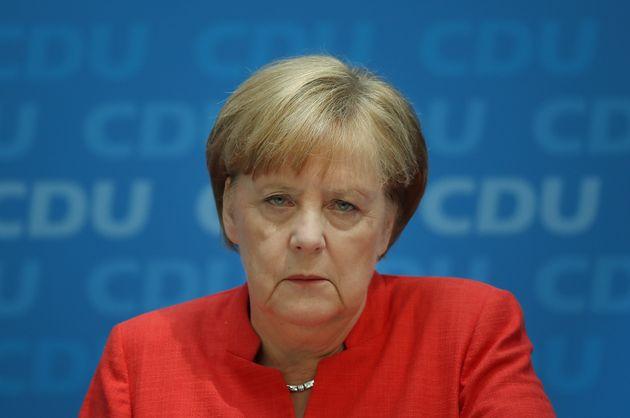 To «δώρο» του προσφυγικού στα εθνολαϊκιστικά και ξενοφοβικά κομμάτα της ΕΕ