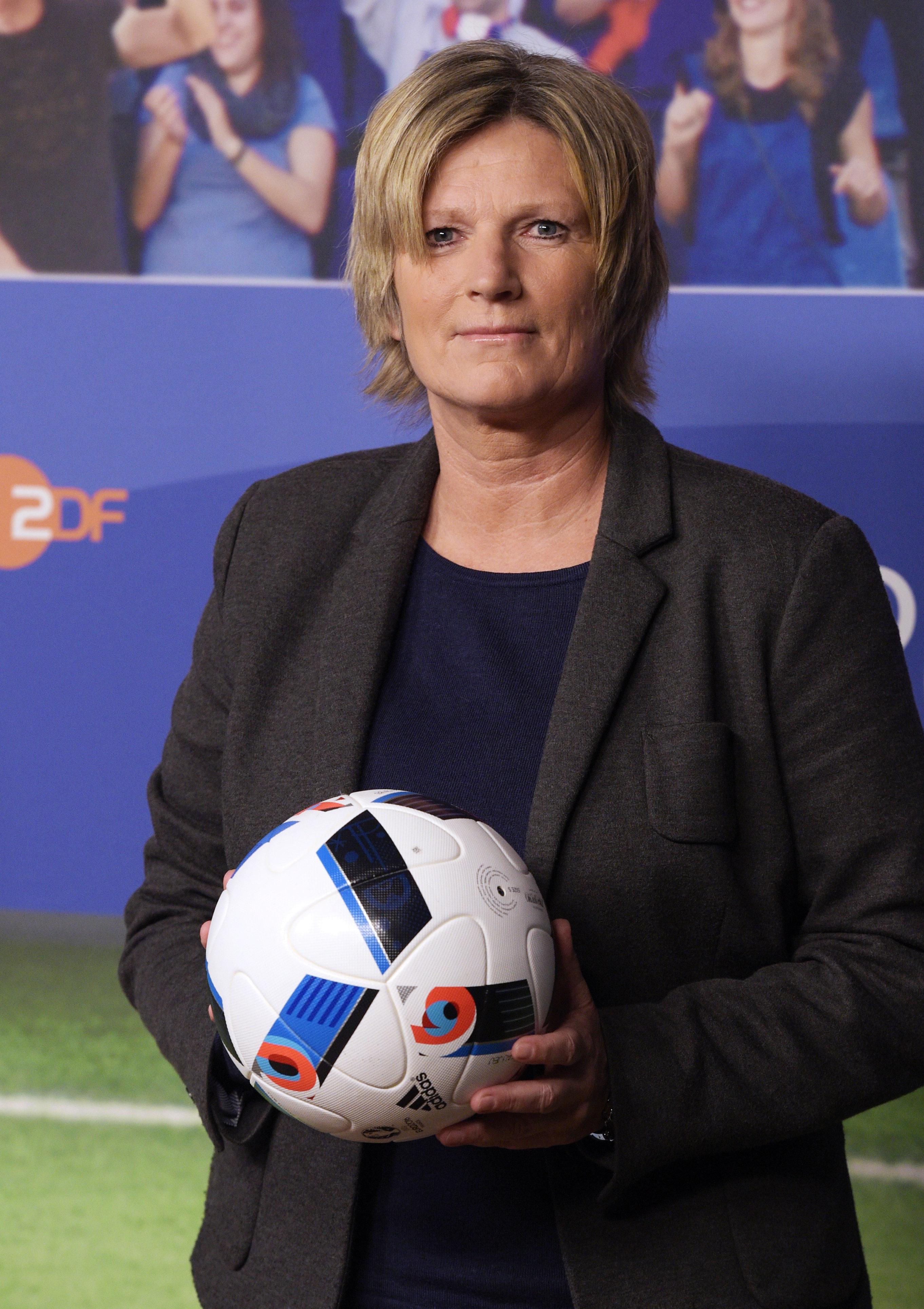 Fußball-WM: ZDF-Reporterin wird bepöbelt – Sportchef rastet aus
