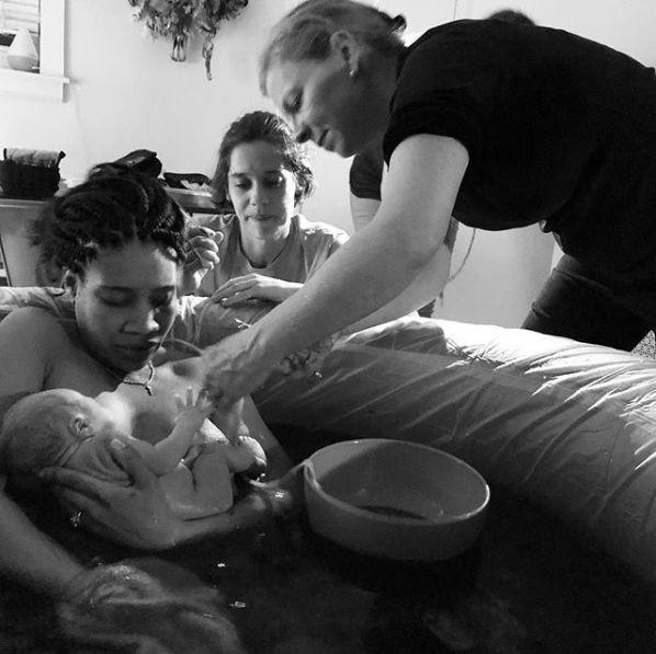 19 berührende Fotos: LGBT-Paare bei der Geburt ihres
