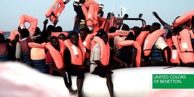 Une publicité de Benetton montrant un sauvetage de migrants fait polémique en