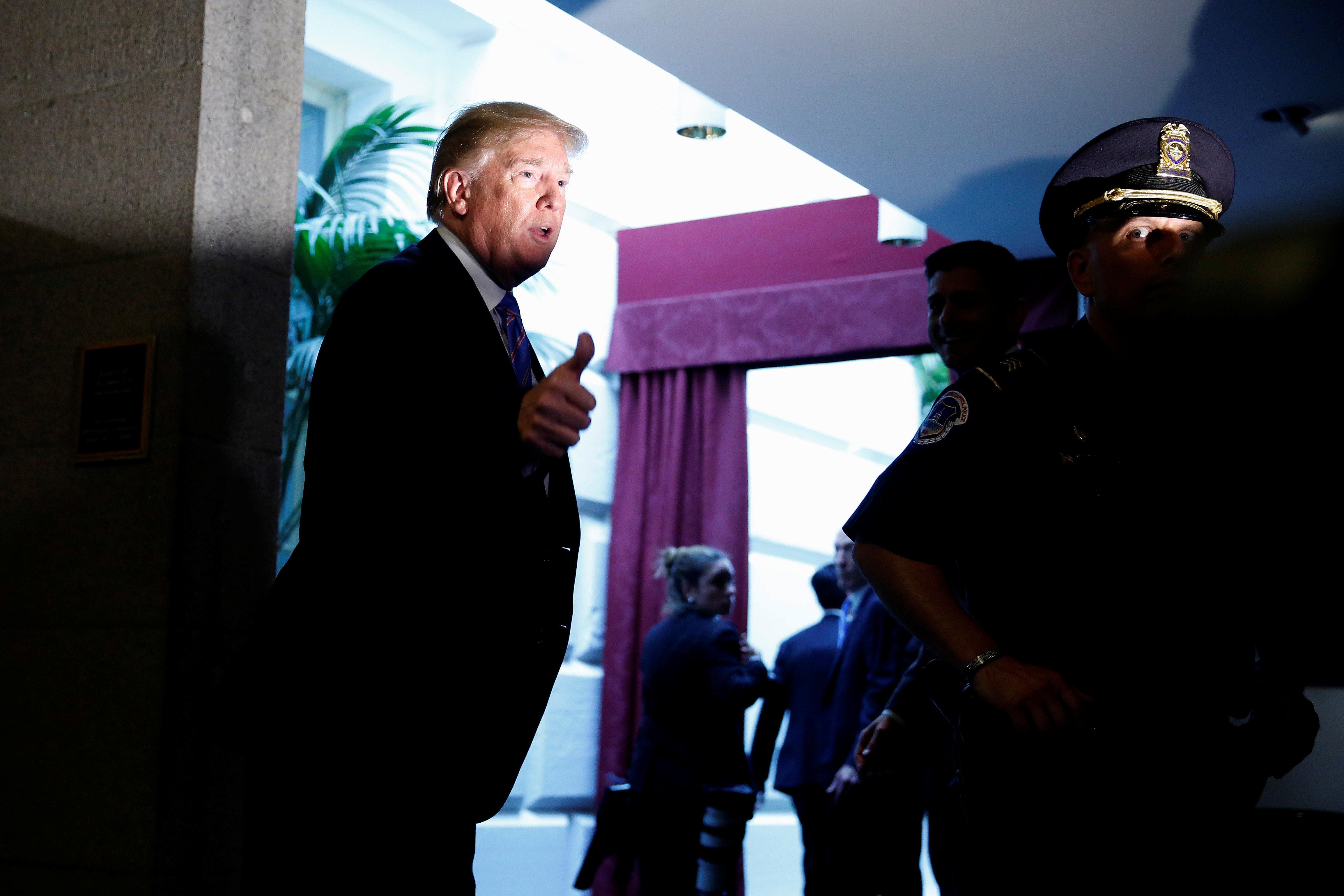 Μετά τον σάλο ο Τραμπ σταματά με διάταγμα τον χωρισμό των παιδιών από τους μετανάστες γονείς