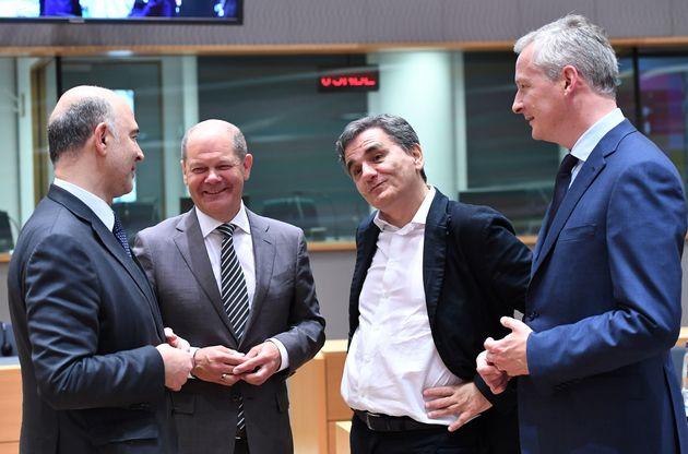 Στόχος για το Eurogroup, μία συνολική συμφωνία και ένα καθαρό μήνυμα στις αγορές για την επόμενη ημέρα...