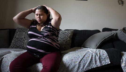 Consiguió asilo después de que su pareja le disparara, pero ahora EE UU le negaría la