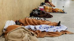 Obdachlosen-Paar findet und verschenkt 300.000 Euro – jetzt müssen sie vor