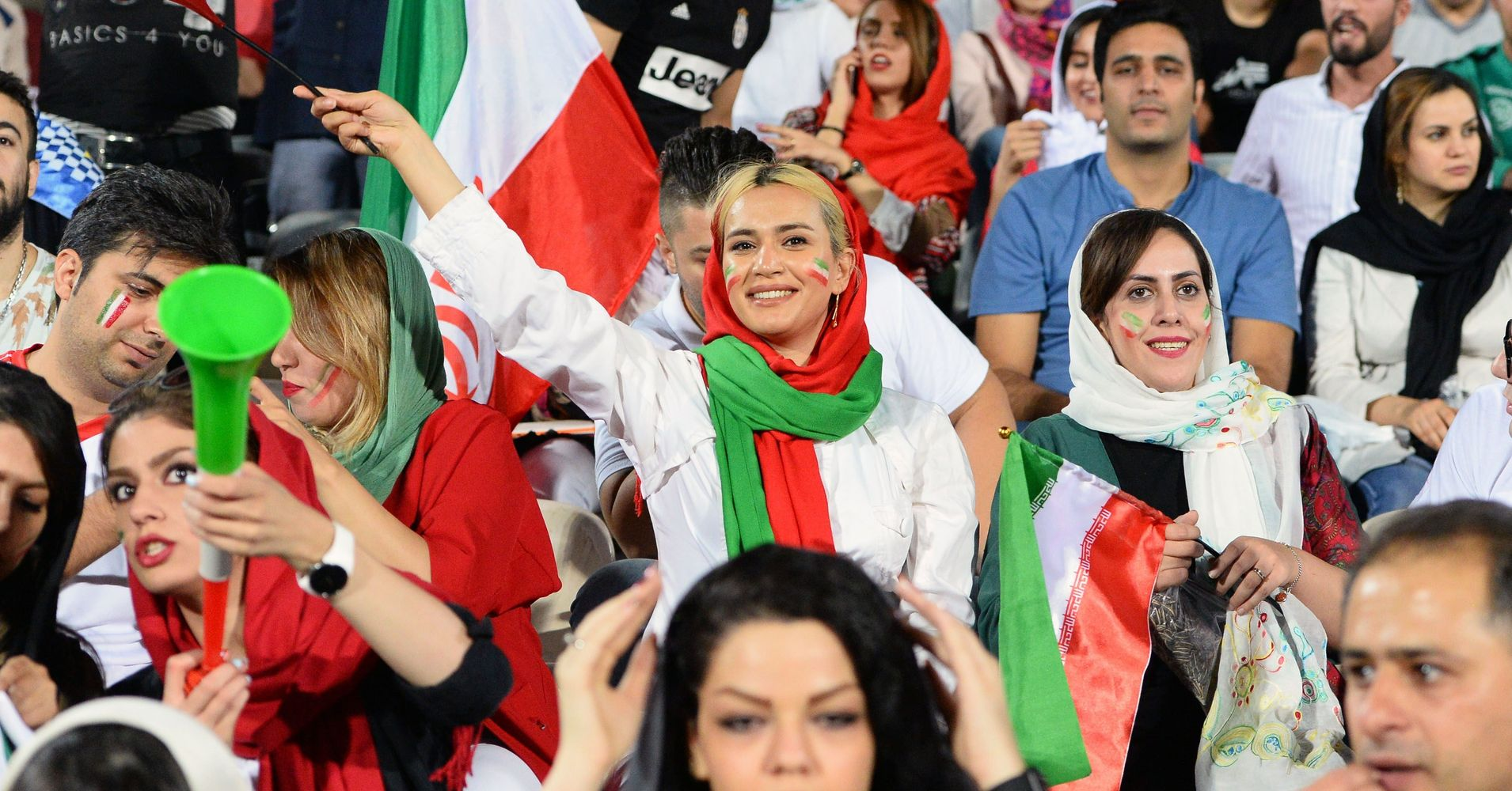 After 40-Year Ban, Iranian Women Allowed To Watch World -7881