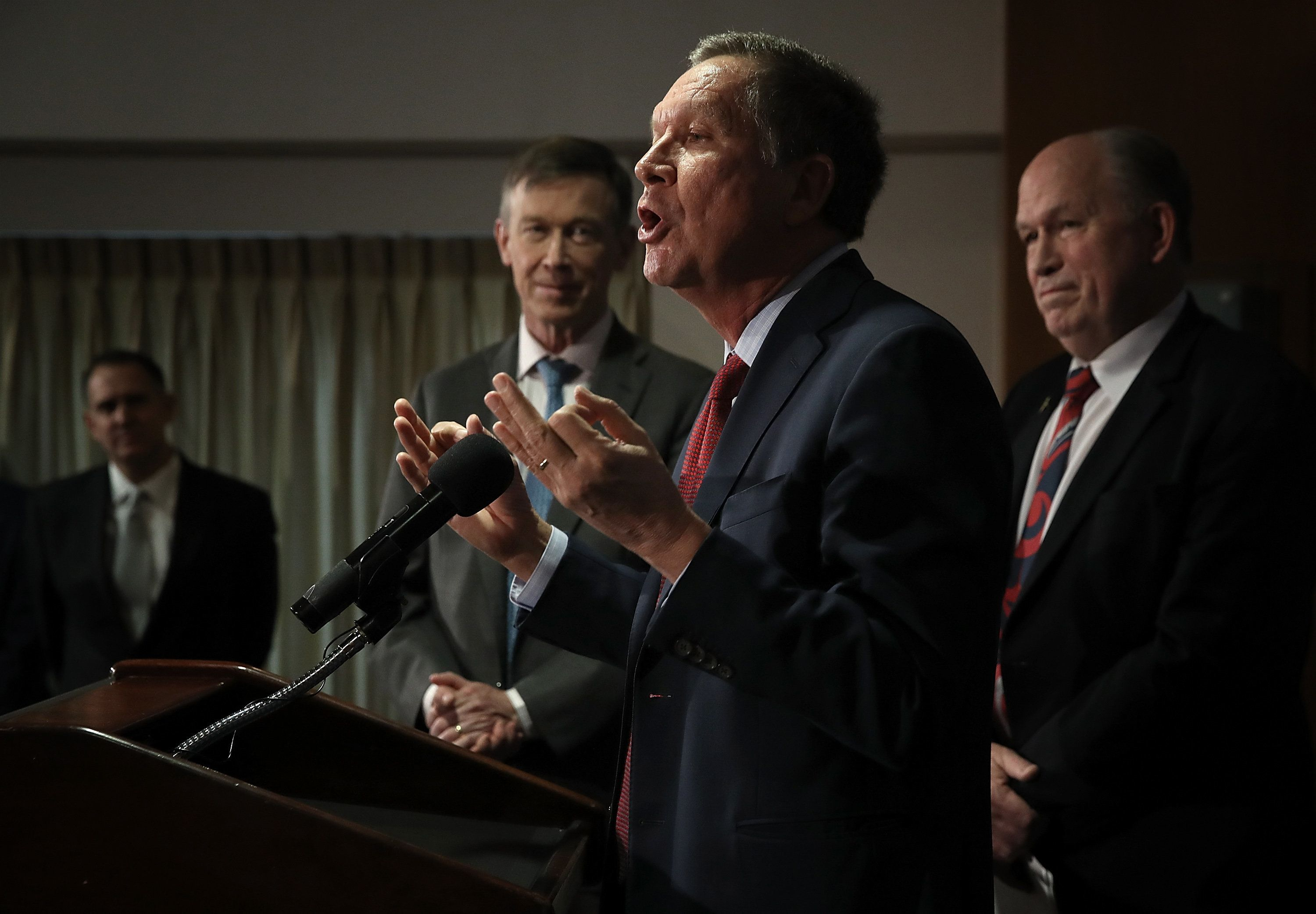 Ohio Gov. John Kasich (R), Colorado Gov. John Hickenlooper (D) and Alaska Gov. Bill Walker (independent) at a February n