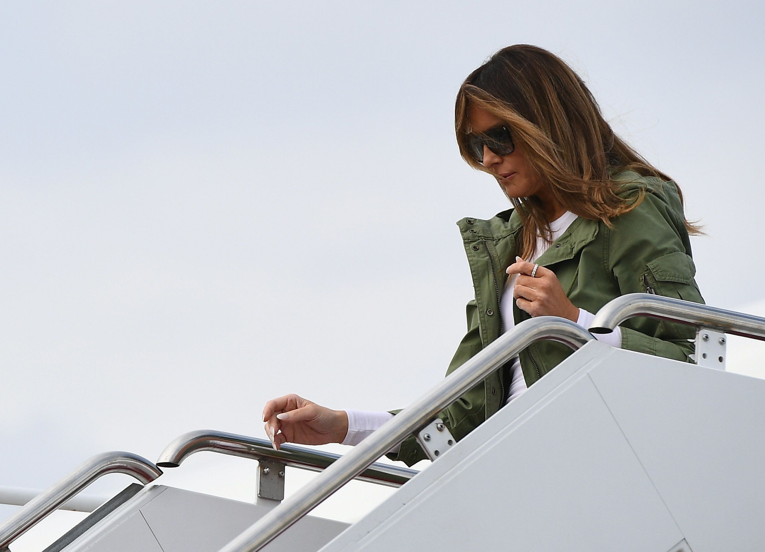 Donald Trump verrät, welche Botschaft wirklich hinter Melanias Jacke steckt