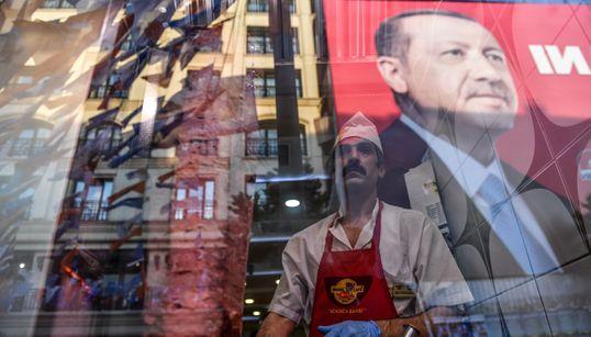 Η Τουρκία σε σταυροδρόμι. 7 πράγματα για να καταλάβουμε πώς αυτές οι εκλογές κρίνουν το μέλλον της Δημοκρατίας που ίδρυσε ο Κ...