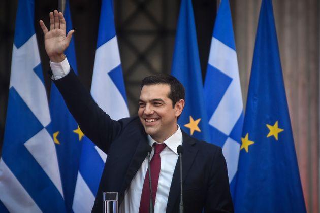 Τσίπρας: Μπορούμε να προχωρήσουμε στην αποκατάσταση των συλλογικών διαπραγματεύσεων και την αύξηση του...