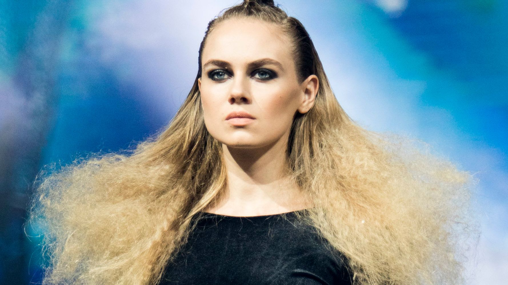 What Actually Causes Frizzy Hair Huffpost Life