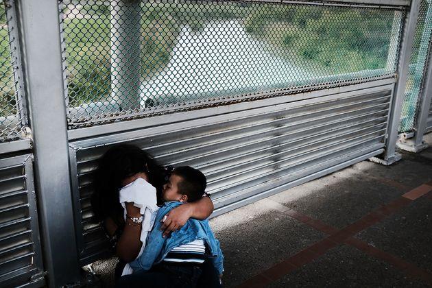 Το γράμμα της μάνας που έχασε τον 6χρονο γιο της στα σύνορα: «Αγάπη της ζωής μου, πονάει η καρδιά μου...