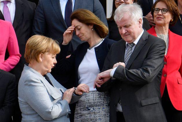 Χορστ Ζέεχοφερ, ο υπουργός που μπορεί να ρίξει τη
