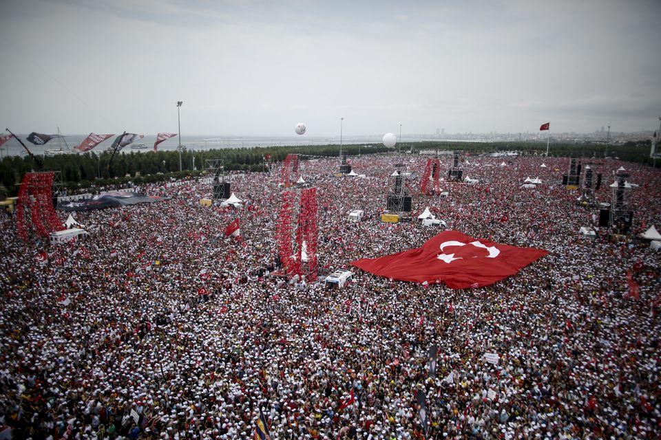 Ein Blick auf das Millionen-Publikum, das Ince am Samstag