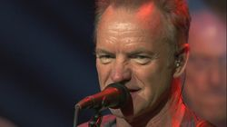 ΒΙΝΤΕΟ: Ο Sting σκούπισε τη σκηνή στο Ηρώδειο μετά τη δυνατή βροχή και το κοινό τον