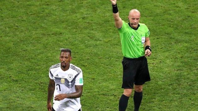 독일 중앙수비의 핵 제롬 보아텡이 스웨덴과의 경기에서 두번째 옐로카드를 받아 퇴장 당하고