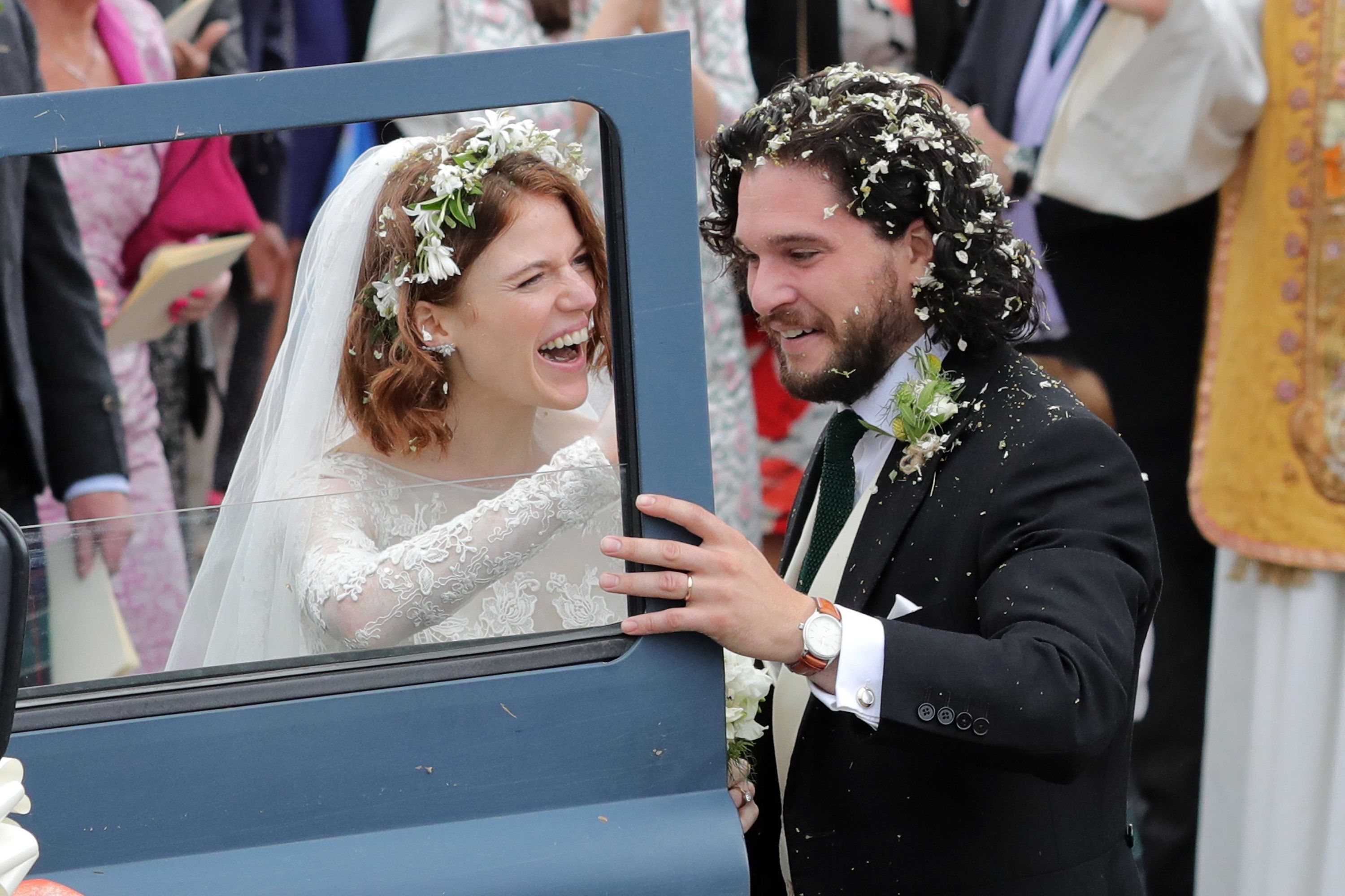 Game Of Thrones' Kit Harington And Rose Leslie Marry In Scottish Wedding