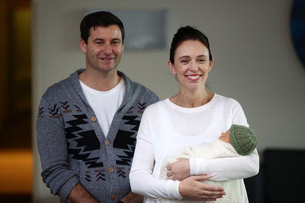 H πρωθυπουργός της Νέας Ζηλανδίας μόλις ανακοίνωσε το όνομα της νεογέννητης κόρης
