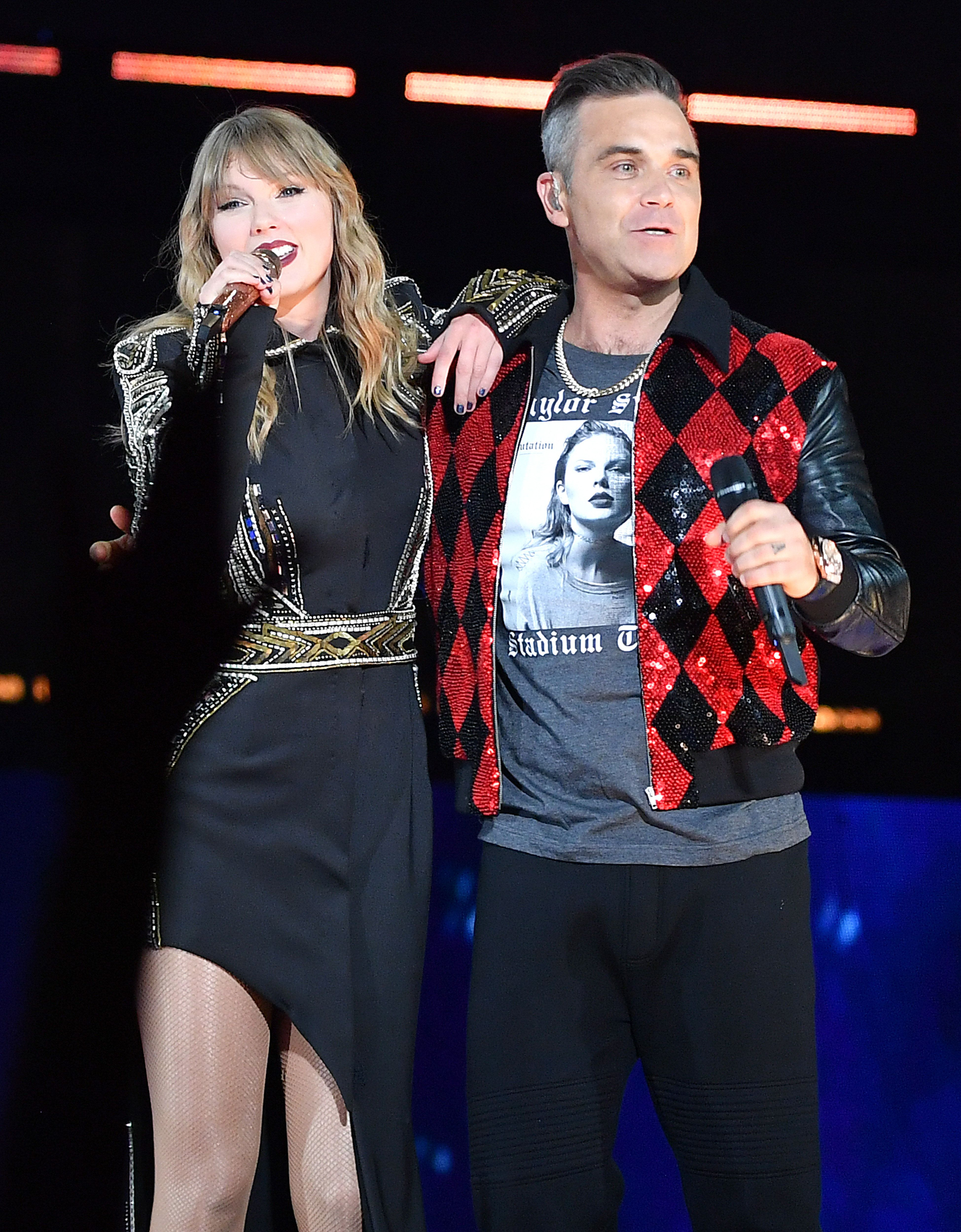 Robbie Williams joined Taylor Swift on stage at her