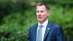 Βρετανία: Ο υπουργός Υγείας λέει στις εταιρείες να σταματήσουν τις προειδοποιήσεις για το