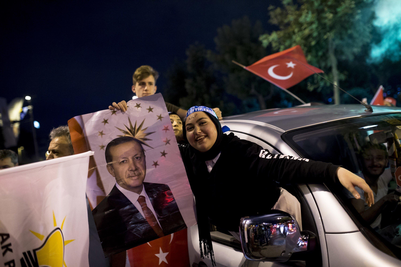Turquie: Recep Tayyip Erdogan et son Parti remportent les élections