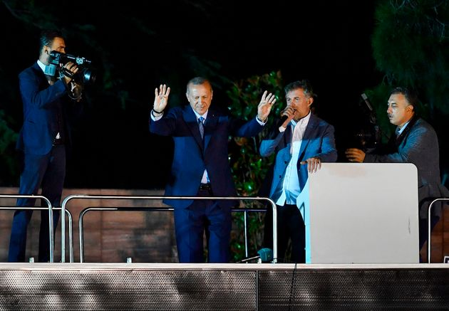 Turquie: Recep Tayyip Erdogan et son Parti remportent les