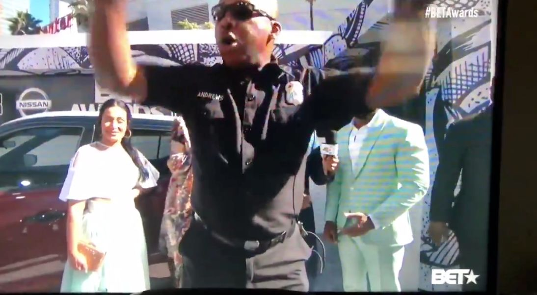 Cops Interrupt The Live BET Awards Pre-Show And People Are Shook