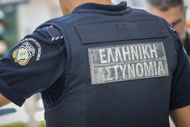 Πατέρας και γιος συνελήφθησαν για ένοπλες ληστείες σε