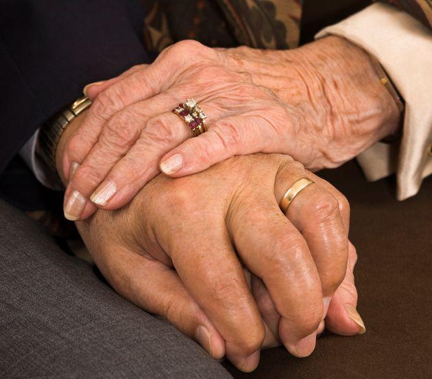 법원이 88세 신부와 스무살 어린 신랑의 결혼을 무효로 한