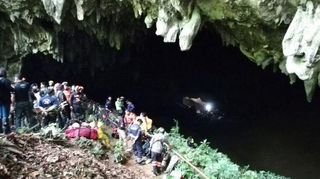 Εξαφάνιση ποδοσφαιρικής ομάδας σε σπήλαιο στην