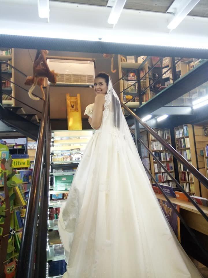 Amoureux des livres, ces mariés tunisiens ont choisi le salon du livre de Saint-Maur pour passer leur lune de