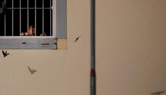 Human Rights Watch: Οι συνθήκες στα κέντρα μεταναστών είναι άθλιες για τις γυναίκες και τα παιδιά. Αυτό είναι το