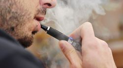 Smokers 'Should Be Allowed E-Cigarettes At NHS