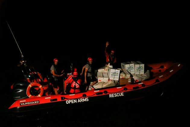 Migrants: situation confuse en Méditerranée, les navires en quête de