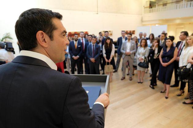 Πρωτοβουλία κατά του brain drain από τον Αλέξη Τσίπρα στο