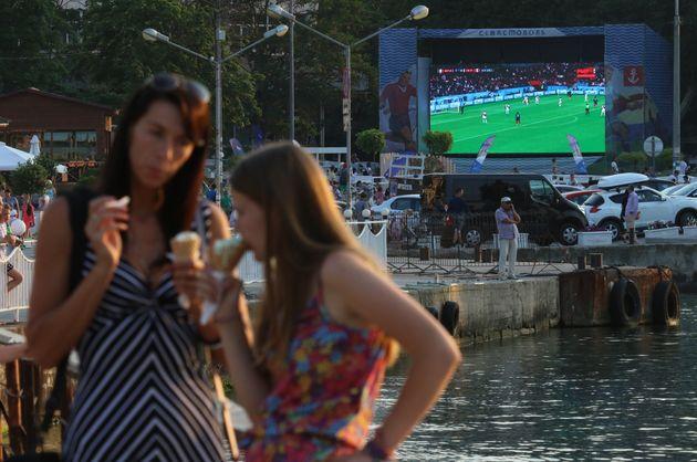 To Παγκόσμιο Κύπελλο μέσα από τη σκοπιά του κινήματος